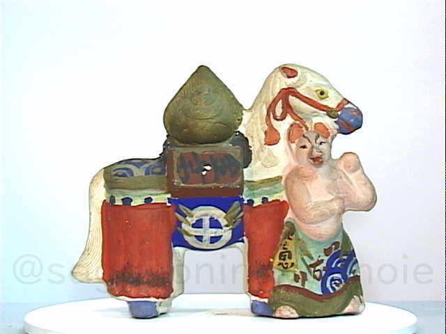 test ツイッターメディア - 本日あります2019年12月11日 伏見人形・狐宝馬 ずいぶん立派な体格をしておられますおキツネさま、お顔も肌色なのは珍しい。千両箱の上に火炎を伴った擬宝珠が示唆的です。  #kyototravel #京都旅行 #歴史散歩 #物語 #民俗 #人形展 秋季展開館中12月15日まで https://t.co/3POO2TvE9E https://t.co/wPwCUHUUIR