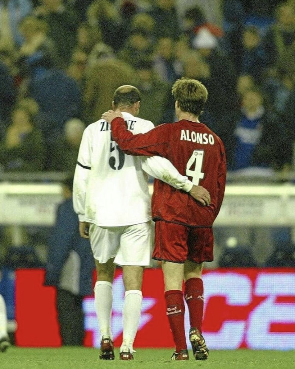 Sa biographie, son actualité, ses photos et vidéos. Football Tweet On Twitter Xabi Alonso When Asked About His Sporting Hero Zinedine Zidane What He Could Do With A Football Is A Dream For Most Of Us Https T Co P18ry76sjy