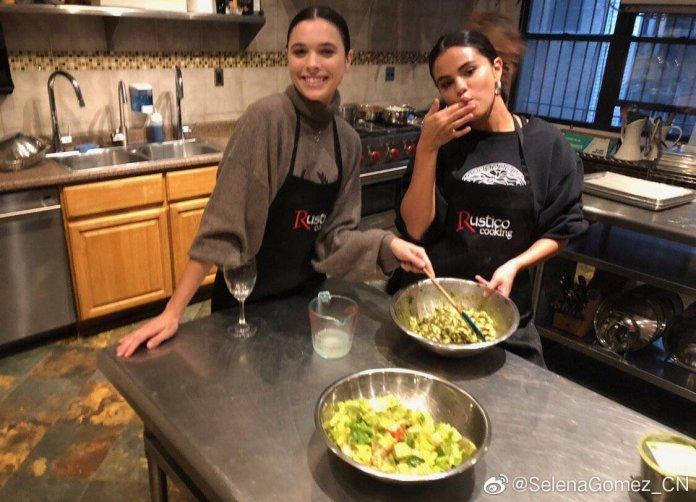 "Selena Gomez News auf Twitter: ""Selena Gomez vía Weibo.… """