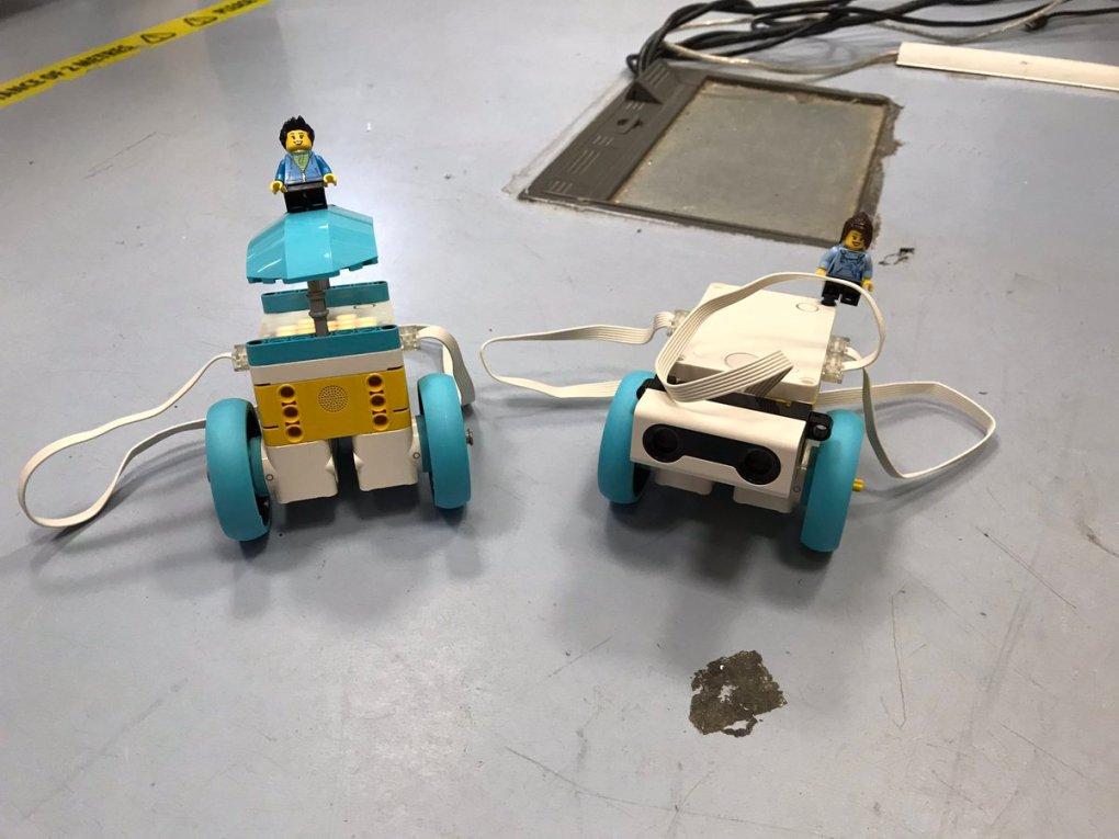 EnL1sXQXEAEZXdF - Raising Robots - LEGO Education SPIKE Prime, MINDSTORMS & WeDo 2.0