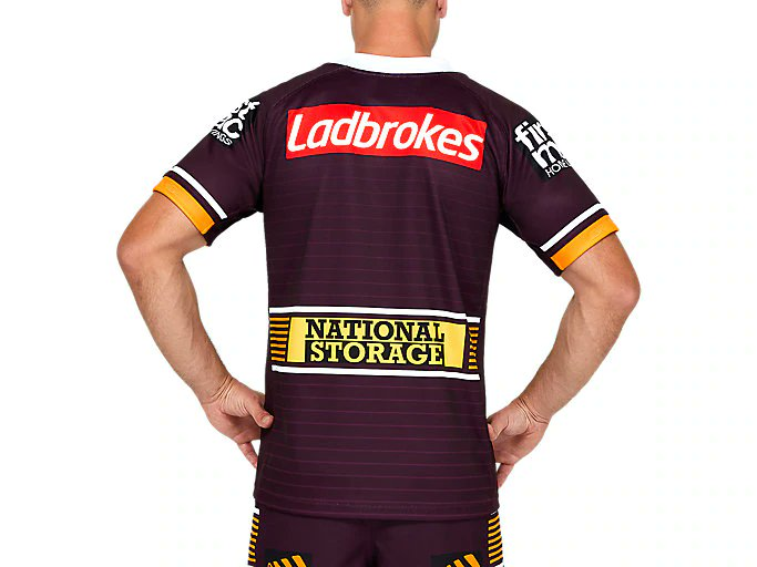 Now there's a jersey you could set your watch to. #ComeOutCharging #UKnighted #bronxnation