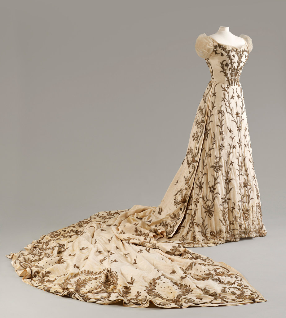 The Peacock dress -- from the Fashion Museum of Bath. A sweetheart dress with an exceptionally long train and ornate zardozi (metal wire) embroidery all along the length.