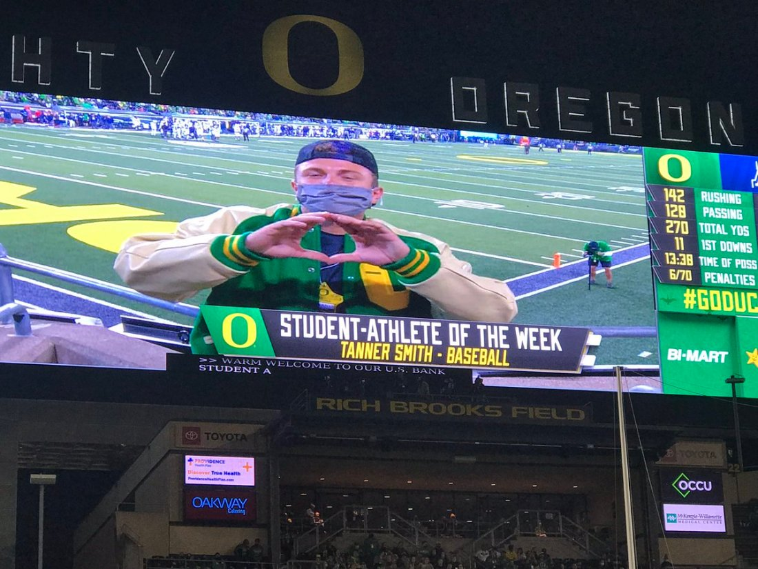 test Twitter Media - A baller and a big-time student! @tannerr_smith gets some love at the @oregonfootball game. #GoDucks https://t.co/JaIk1HTXKN