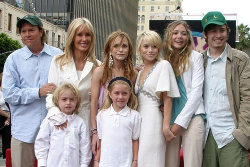 Kate And Ashley Olsen Parents