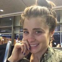 Shiri Appleby (@ShiriAppleby) Twitter profile photo