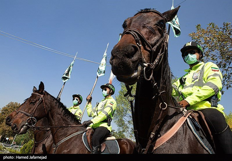 Image for the Tweet beginning: Horse-mounted police officers in Tehran