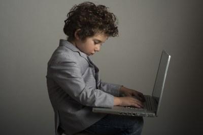 パソコンが使えない人が以外に多い理由とは?