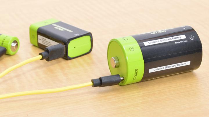 サンコー、USBで直接充電できる乾電池型バッテリ