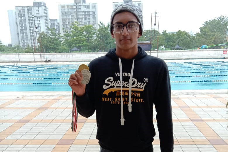 Mr. Mehlam Hozefa Gladialy, F.Y. B.Com. student of PCACS won 100 mtr Gold Medal, 200 mtr Silver Medal and 50 mtr Silver Medal at Maharashtra State Senior Aquatic (Swimmimg) Championship held at Pune yesterday. Congrats for the  excellent performance.