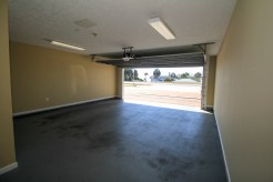 Easy and safe parking in the 2.5-car garage