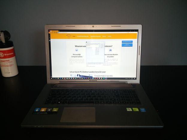 stap-5-een-schoongemaakte-snelle-laptop Stof uit een laptop halen: zo moet het
