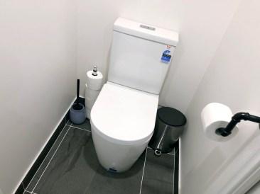 Ensuite bathroom Montrose