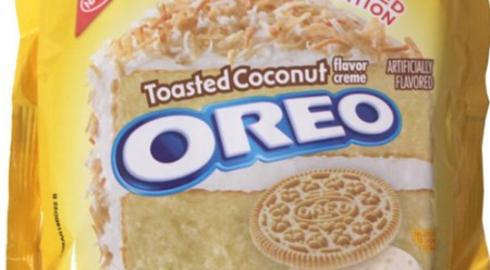 Toasted-coconut-oreos