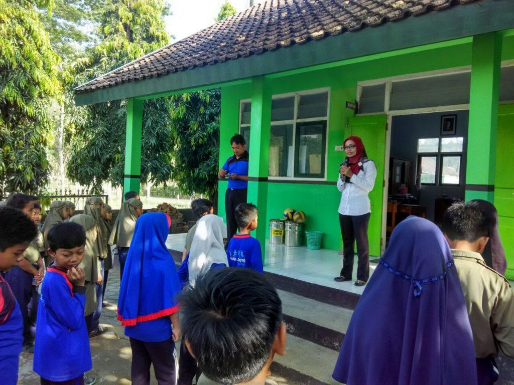 Penyuluhan Kesehatan dari Puskesmas Ponjong 2 di SD Muhammadiyah Bedoyo