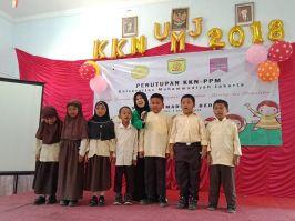 SD Muhammadiyah Bedoyo Pembelajaran bersama Mahasiswa KKN UMJ 2018 02