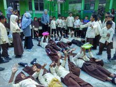 SD Muhammadiyah Bedoyo Pembelajaran bersama Mahasiswa KKN UMJ 2018 08