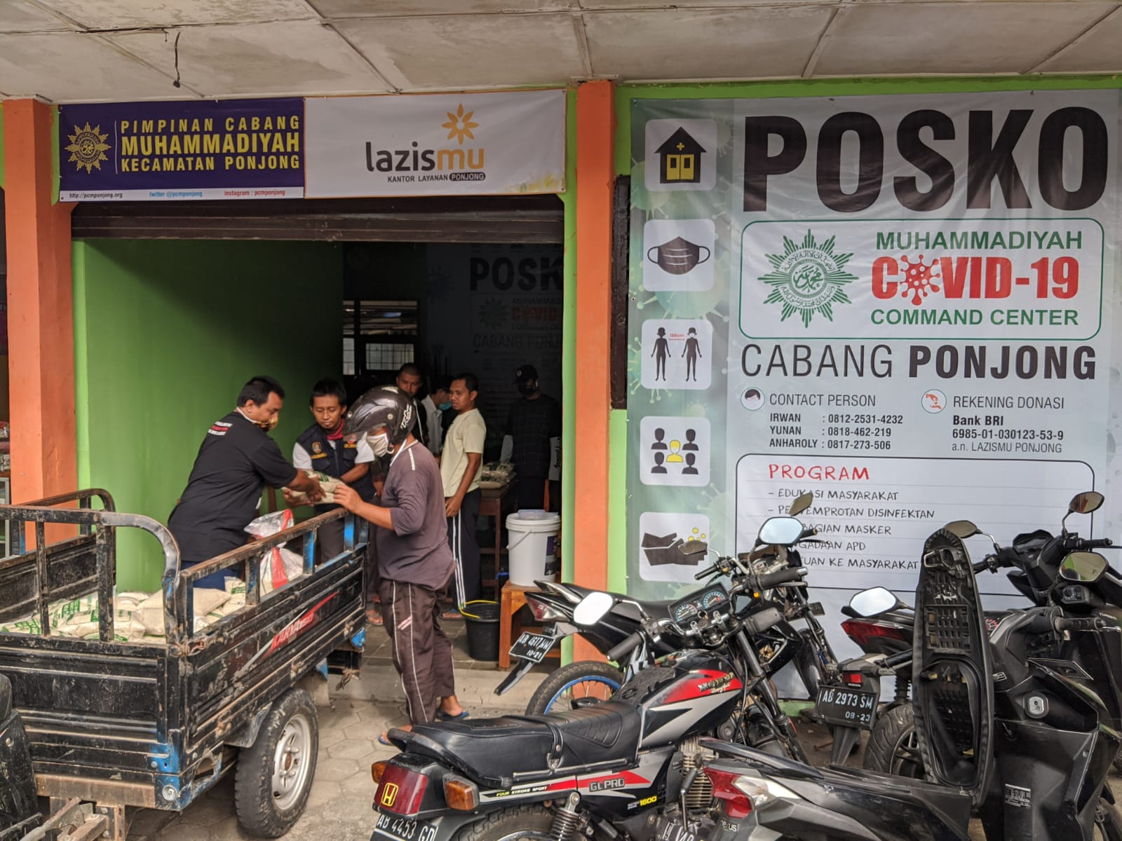 Proses Pembuatan Paket Sembako MCCC Cabang Ponjong