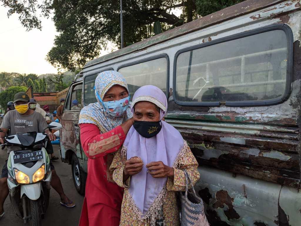 Masyarakat Antusias dengan kegiatan Masker Gratis MCCC Ponjong