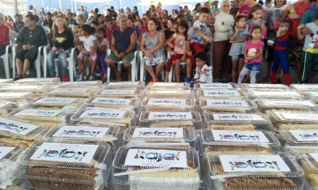 Jardim Esperança recebe o terceiro corte de bolo dos 158 anos de Itajaí