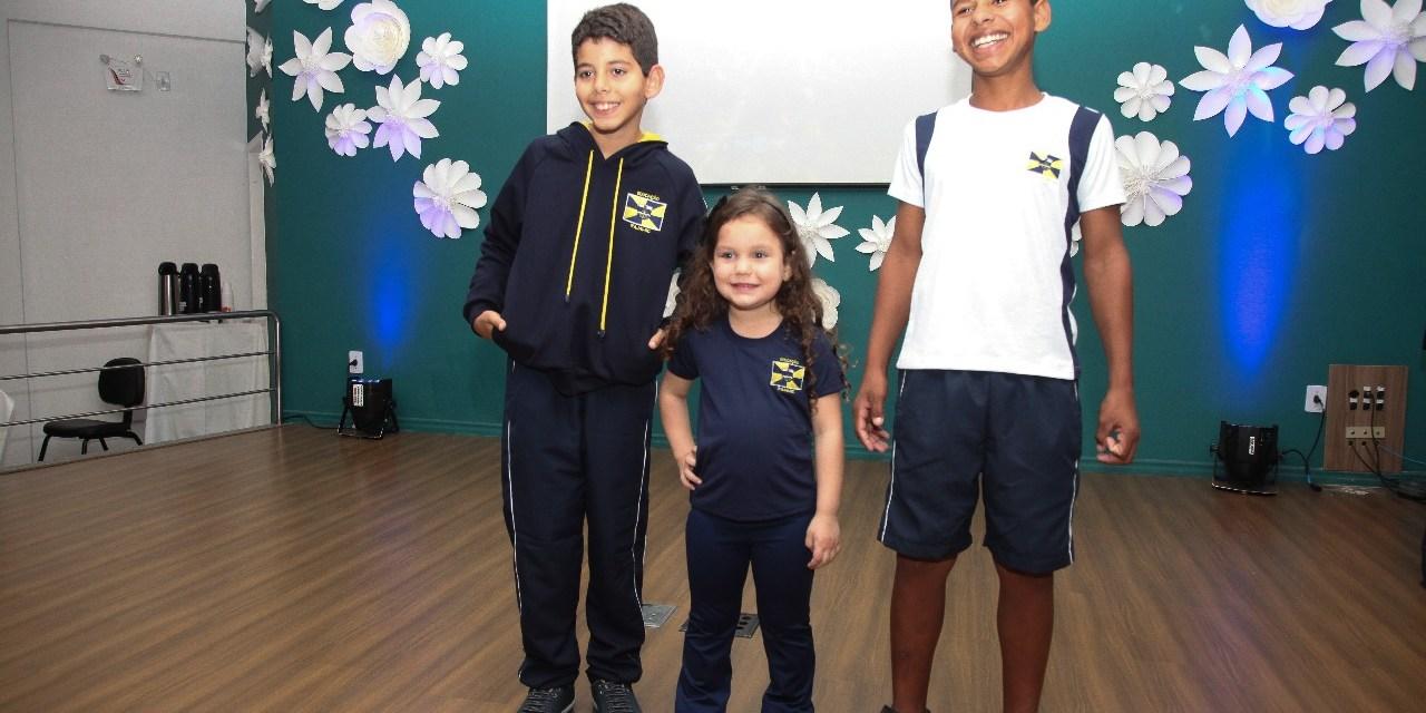 Uniformes escolares começam a ser entregues na próxima semana em Itajaí