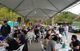 Muita comida e música boa garantiram a alegria da Festa da Tainha