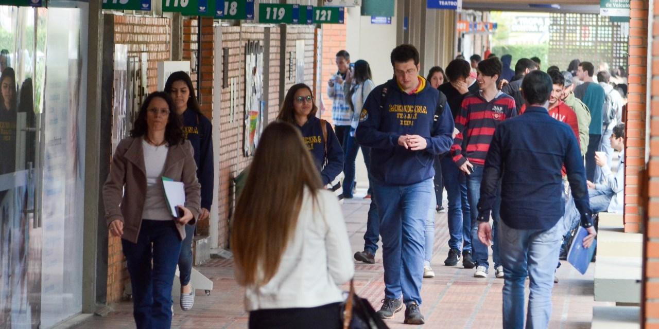 Últimos dias para se inscrever no Auxílio aos Estudantes Universitários