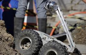 Robô auxilia na fiscalização de ligações irregulares na Praia de Laranjeiras