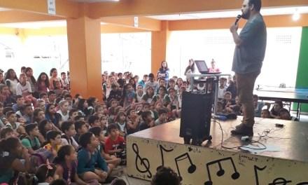 Demutran realiza palestras sobre segurança no trânsito em escolas de Camboriú