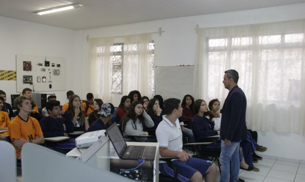InovationLab busca despertar vocação de jovens para o futuro