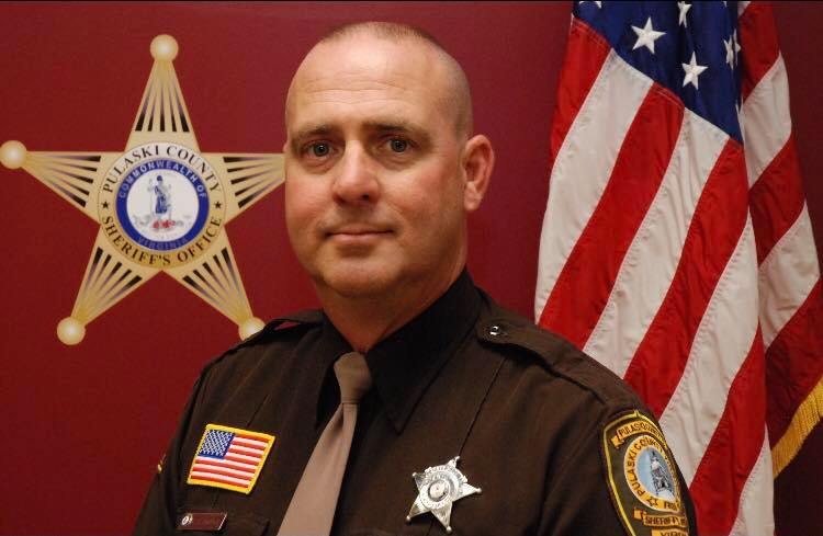 Pulaski County Deputy killed in early morning crash