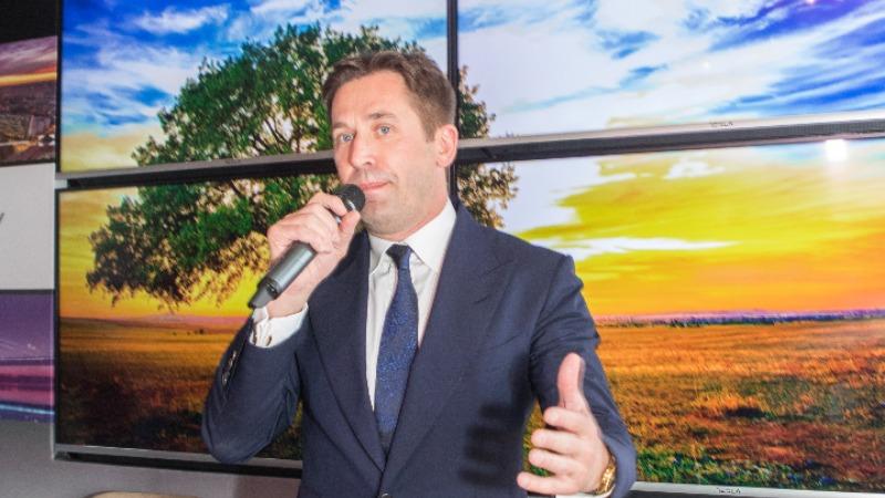 Predstavljeni Tesla S901 smart TV televizor sa srpskim govornim komandama