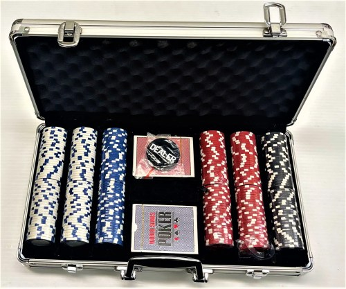 World Series of Poker 300 Piece Chips & Playing Cards Set