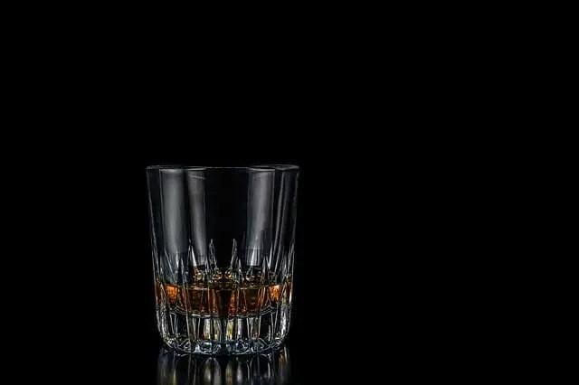 quien inventó el whisky