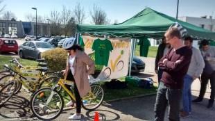L'association VALVE répart de vieux vélos pour les mettre à disposition des étudiants