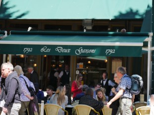 The legendary 'Les Deux Garsons' brasserie, on Cours Mirabeu
