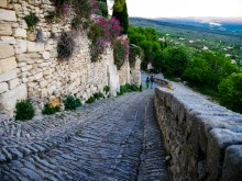 Up and down in Gordes, the steep incline is evident