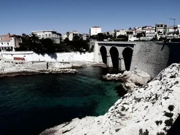 The anse de la fausse monnaie is a small natural rocky beach, along the corniche of Marseille #bleach_bypass