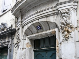 Entrance of a neoclassic house in the center of Arles