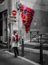 A graffitti moment in th Pannier #onecolor #streetphoto