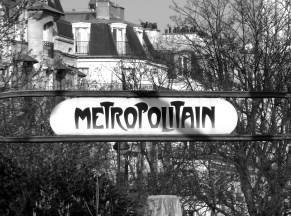 Metro b and w Paris