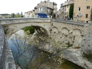 Vaison main bridge between old and new town