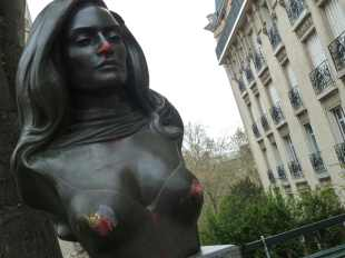 Work of Art, Paris