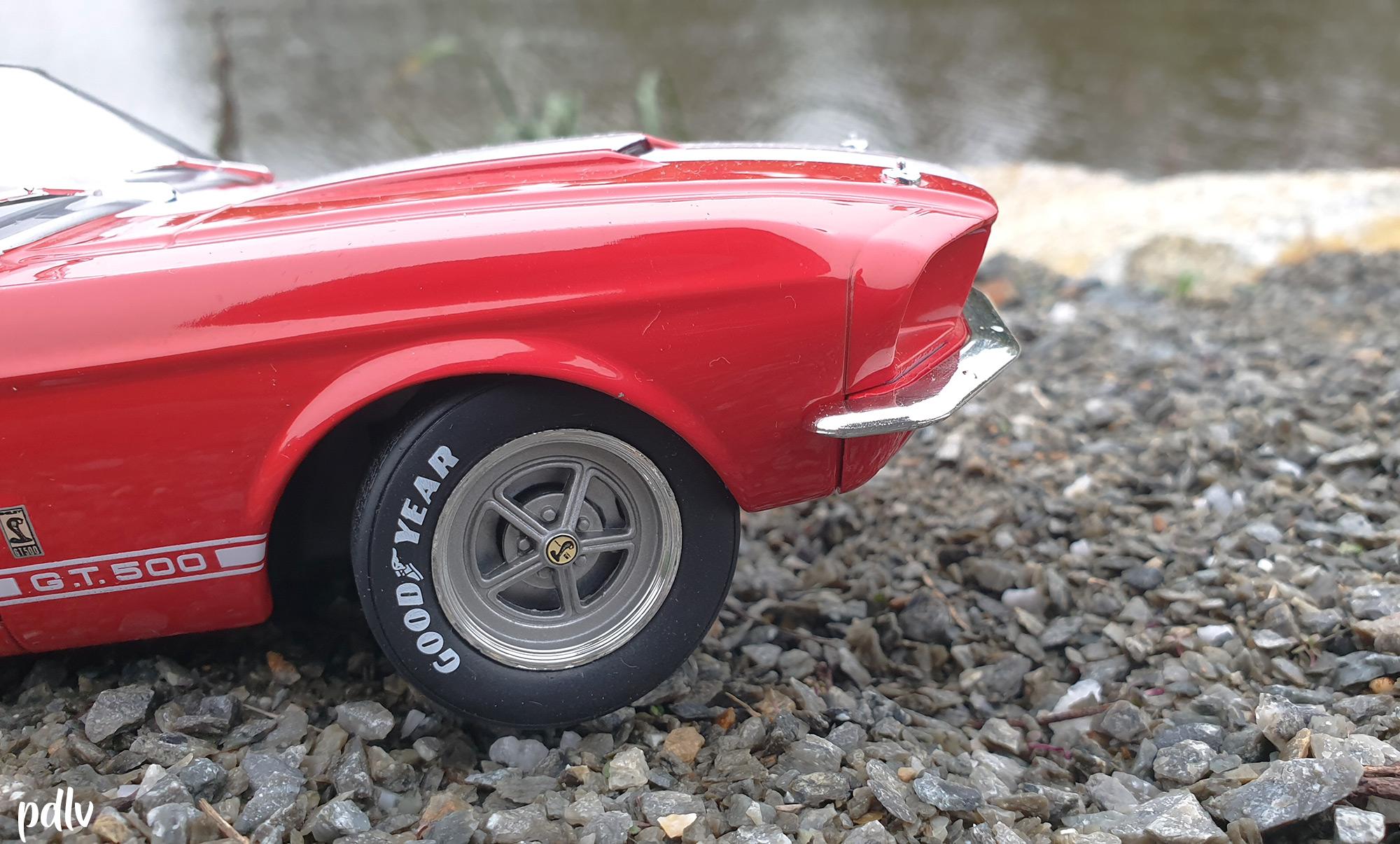 Shelby GT500 Solido S1802902 vitrine
