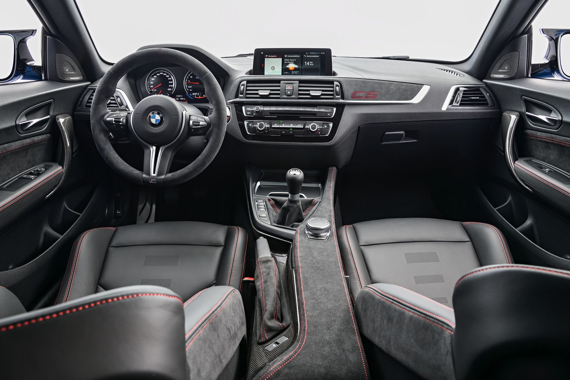 bmw-m2-cs-interieur