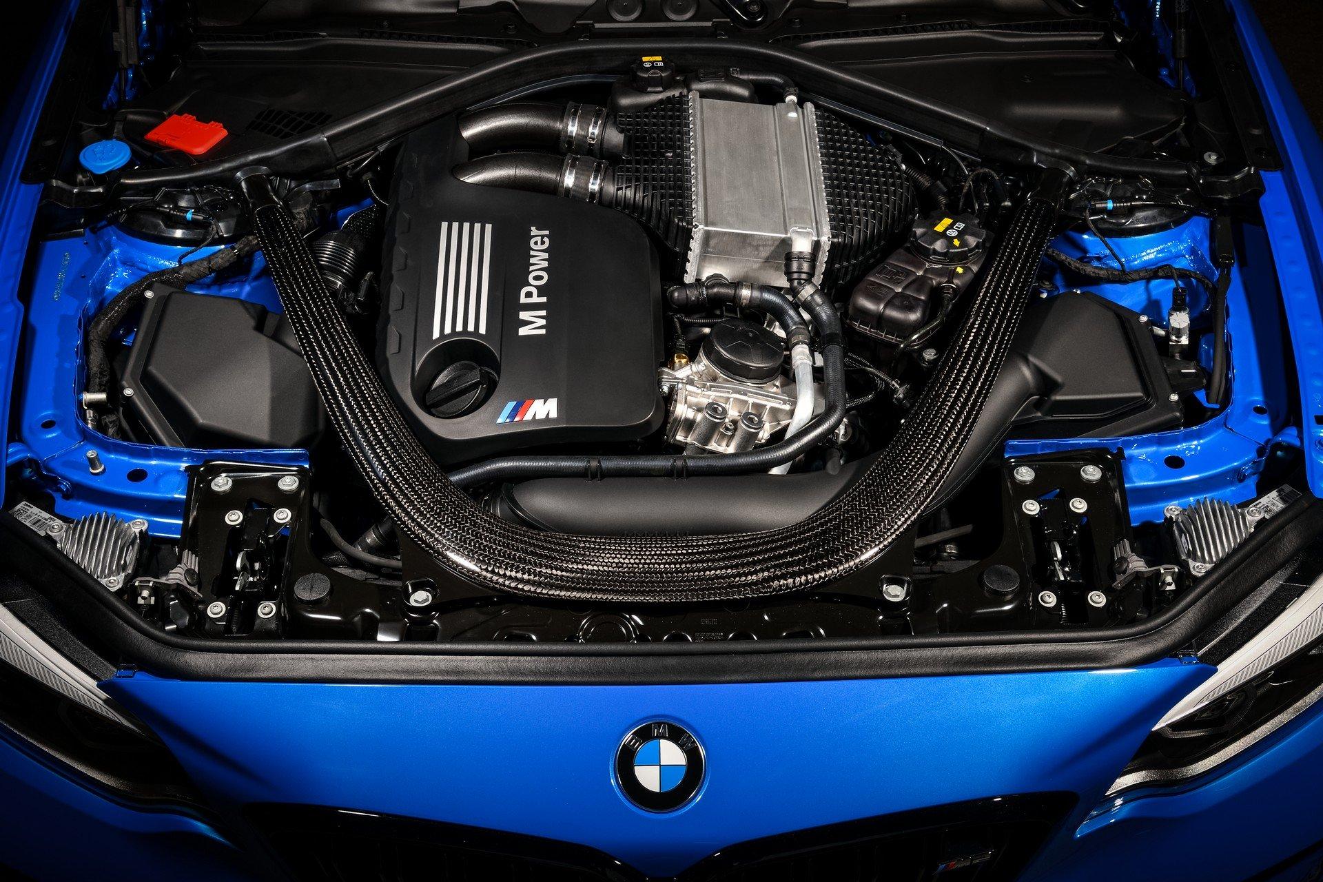 bmw-m2-cs-moteur