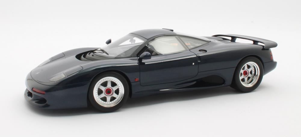 jaguar-xjr-cult-scale-model-cml092-1