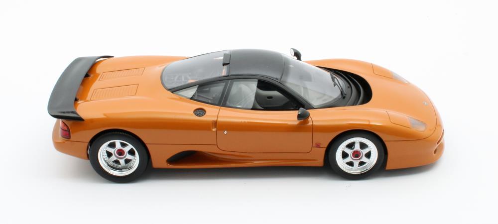 jaguar-xjr-cult-scale-model-cml092-2-profil