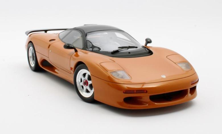 jaguar-xjr-cult-scale-model-cml092-2-4