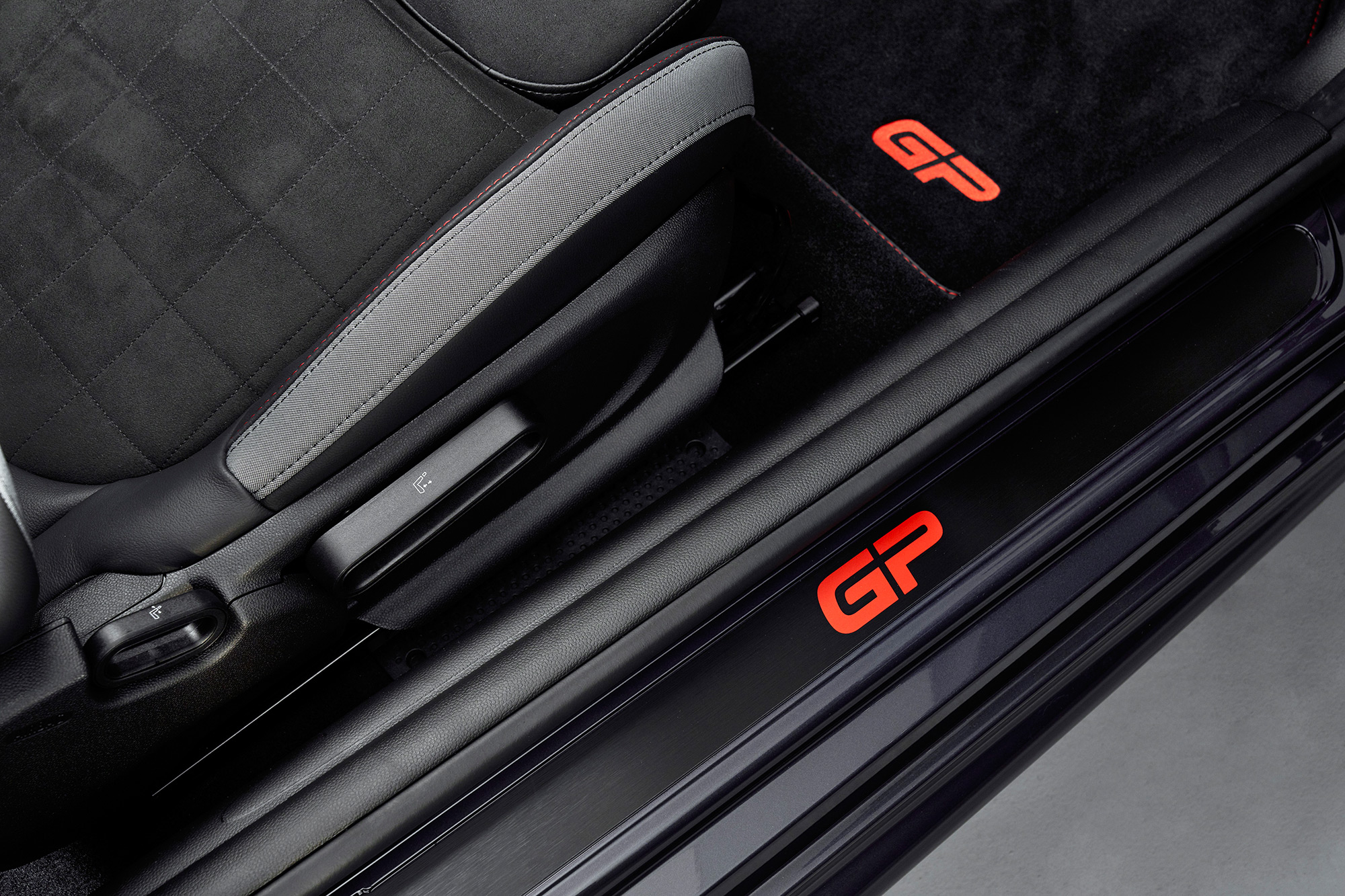 mini-john-cooper-works-gp-f56-logo
