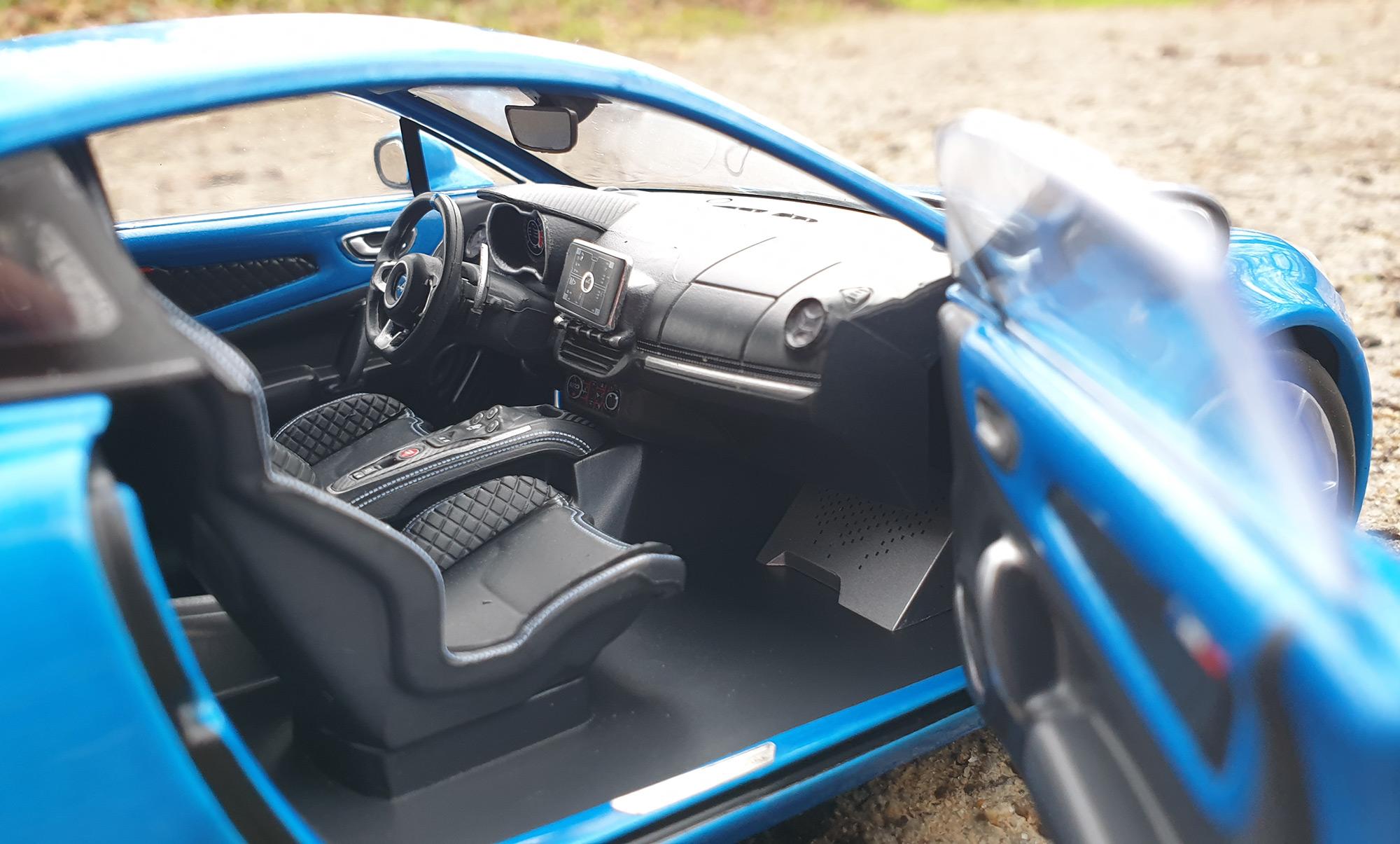 Alpine A110 Pure Solido intérieur